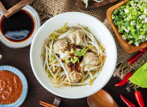 葉來香50年古早味麵飯美食