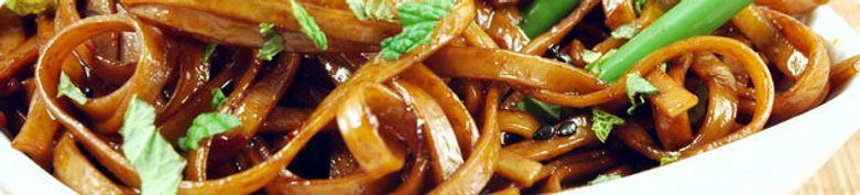 Nudeln- und Reisgerichte  - Yummy Restaurant