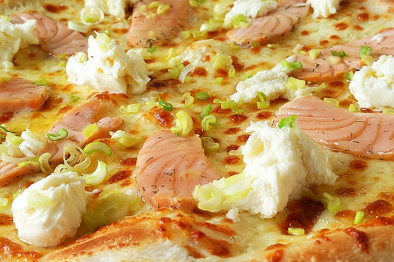 69. Salmon King pizza (32cm)