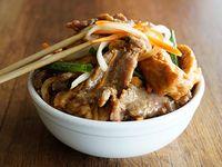 Carne con tofu