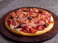 Pizza con panceta y muzzarella grande