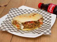 Super Arepa Carne +gaseosa 250ml