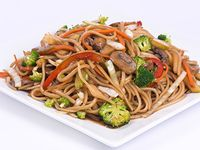 Chow Mein Vegetariano