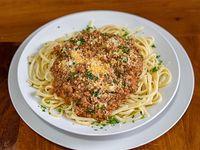 Tallarines con carne a la bolognesa