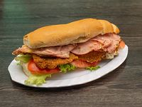 Sándwich de milanesa completo