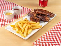 Combo - Papas fritas con costillar BBQ + Gaseosa Coca Cola en lata 354 ml