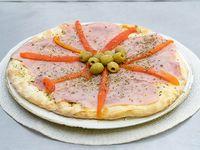 16 - Pizza con jamón y morrones