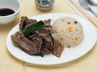 Colación - Carne mongoliana con bebida a elección