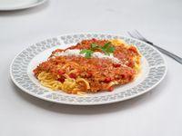 Tallarines con salsa bolognesa