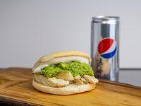 Combo - Sándwich de pechuga de pollo palta mayo + lata 354 ml