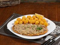 Milanesa gourmet con guarnición