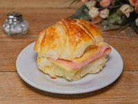 Medialunas de jamón y queso (6 unidades)