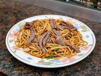 Fideos caseros al wok con carne