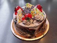 Torta de mousse de chocolate entera