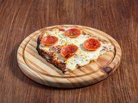 Pizza con queso y pepperoni
