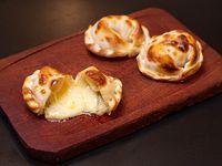 Empanada de muzzarella y roquefort