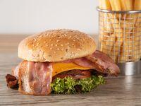 Sándwich francesina con papas fritas (porción 150 g)
