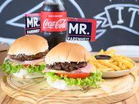Promo - 2 hamburguesas clásicas + porción de papas fritas + Coca Cola 600 ml