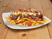 Salchipapas Viankys de Carne o pollo al grill