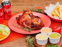 Combo - 1/2 pollo + 2 bebidas en lata 330 ml