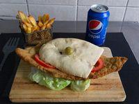 Promo 1 - Sándwich de milanesa con lechuga y tomate + gaseosa