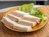 Sandwich común