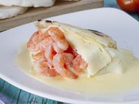 Arepa con Camarones en Salsa Blanca