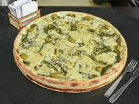 Pizza gigante espinaca especial