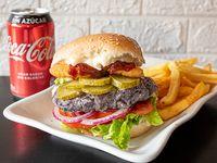 Combo - Viva burger + Papas fritas + Bebida en lata 330 ml