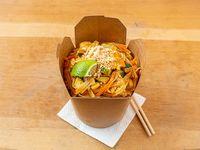 Wok pad thai de pollo