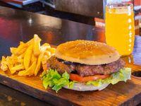 Promoción - Hamburguesa + Papas fritas + Gaseosa línea Pepsi 600 ml