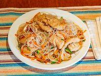 Chau mifen con pollo