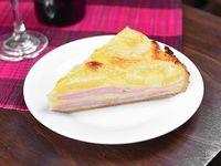 Tarta de jamón, queso y ananá