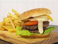 Promo - Hamburguesa doble de carne argentina + papas fritas