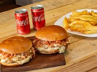 Promo - 2 hamburguesa de pollo doble king con mozzarella y bacon + 2 papas fritas + 2 Coca-Cola 220 ml