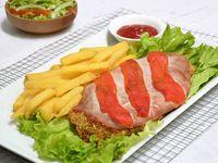 Milanesa con jamón y morrón + papas fritas