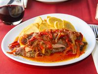 Bife de chorizo (350 g) relleno con papas española