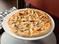 Pizza Pollo y Champiñón