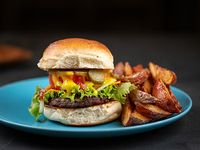 Cangreburger con papas rústicas
