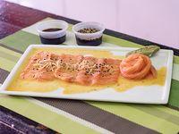 Sashimi de salmón rosado (10 unidades)