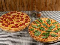 Promo 1 - 2 pizzas clásicas familiares