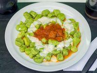 Ñoquis de espinaca con salsa