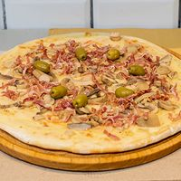 Pizza de panceta y champignones
