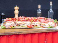 Pizza Lomo con jamón y morrón