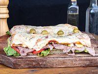 Promo - Pizza Lomo para dos personas + cerveza