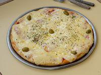 Pizza con muzzarella al molde (8 porciones)