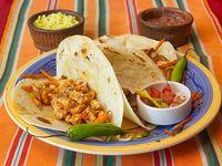 Tacos de pollo con tortillas de maíz (3 unidades)