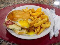 Hamburguesa templar con papas fritas
