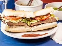 Sándwich de matambre tiernizado