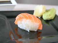 Nigiri de salmón fresco (unidad)